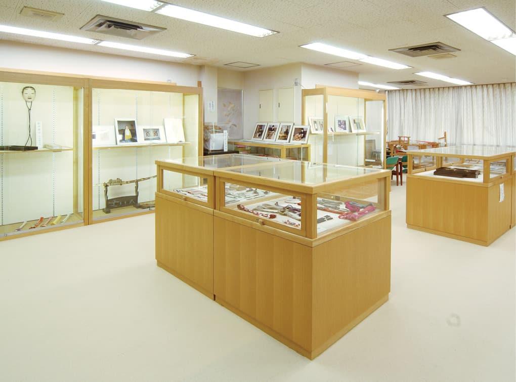 Adachi Kumihimo Gallery