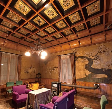 photo2nd floor of exquisite western-style house with kinpeki-shohekiga gold leaf paintings