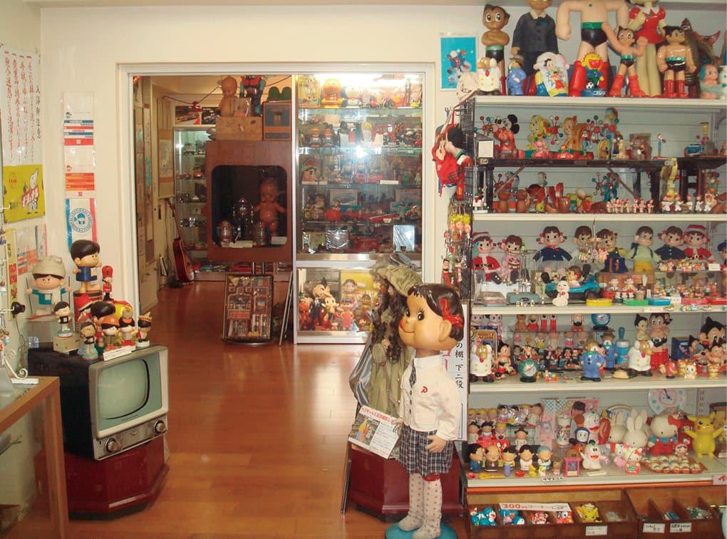 写真:ブリキのおもちゃと人形博物館