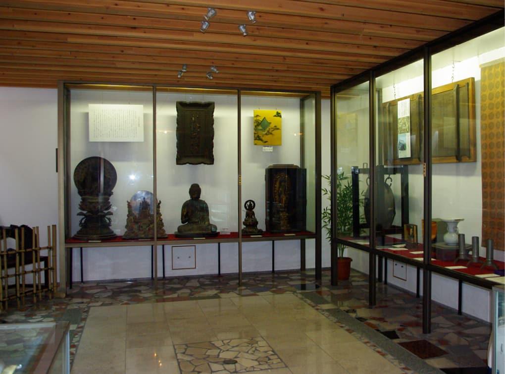 写真:壬生寺 文化財展観室・歴史資料室