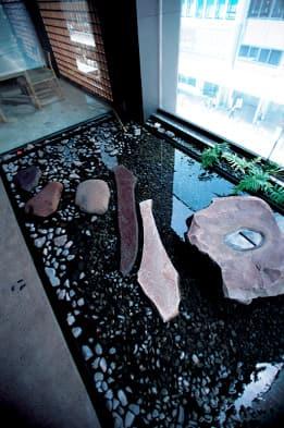 写真坪庭「静寂の州浜」(4階)